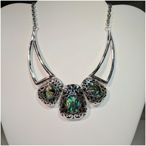 Cluster Multi Green Necklace