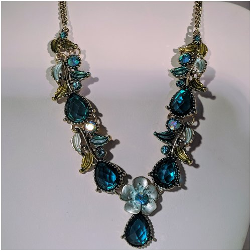 Blue Crystal Necklace with Flower