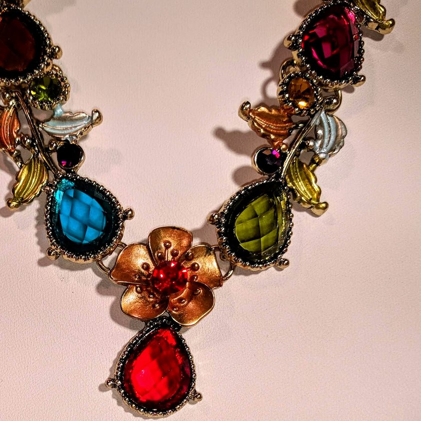Multi Color Crystal Necklace With Flower